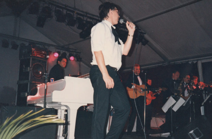 Bad Habits Band Sanctury Cove – Concert hedlined by Frank Sinatra