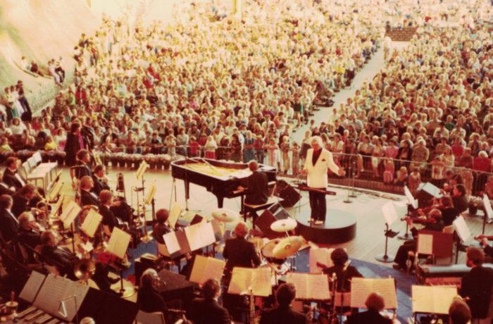 Billy Melbourne Symphony Concert Concert Meyer Music Bowl Melbourne